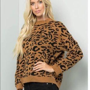 WORKSHOP Cheetah Print Crewneck Pullover Sweater